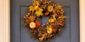How to Create a Homemade Wreath for Your Door | Kudos